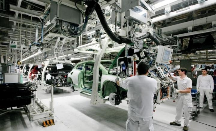 Manque de puces impactant 20% de la production automobile nationale