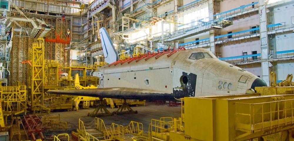 Le Kazakhstan accepte de rendre la navette spatiale a la