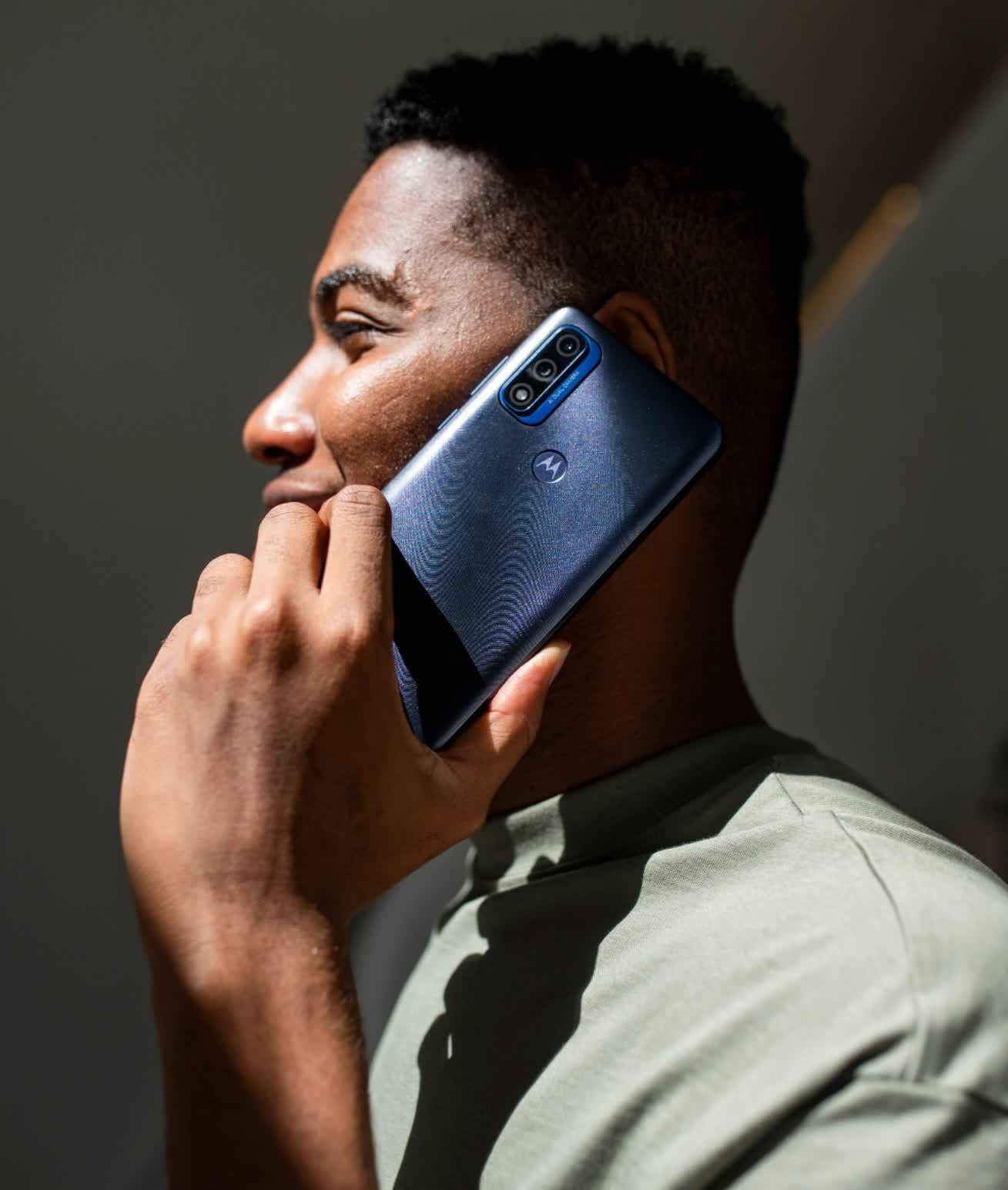 Le Moto G Pure de Motorola est un serieux concurrent