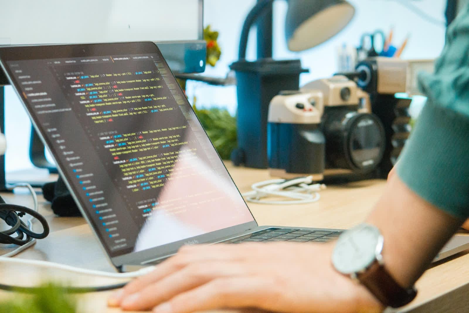 Python depasse Java et JavaScript comme langage de programmation le